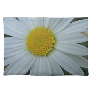 Table set white daisy bloom placemat