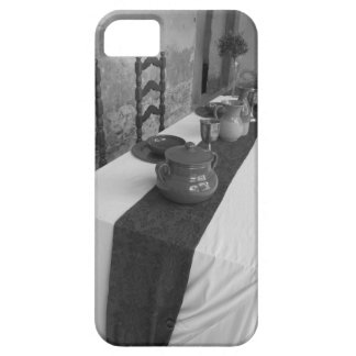 Table settings for a medieval style banquet iPhone 5 cases