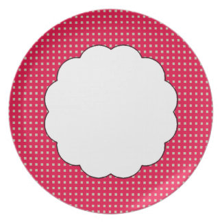 Table-Statements (c) Dots_Strawberry_Scallop_ Plate