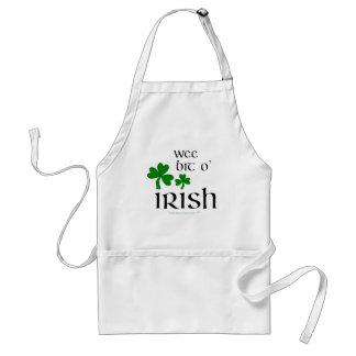 Tablier irlandais de shamrock d'O de peu petit