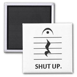 Tais-toi par la notation musicale magnet carré