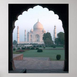 Taj Mahal at daybreak Poster