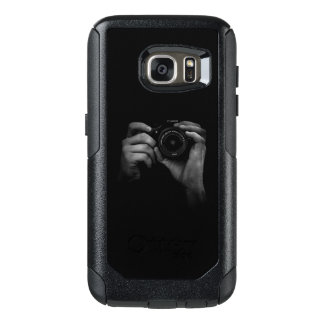Taking a Photo OtterBox Samsung Galaxy S7 Case