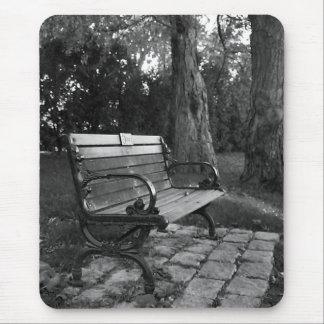 Tapis De Souris Banc de parc en noir et blanc