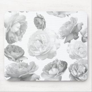 Tapis de souris floral de roses noirs et blancs