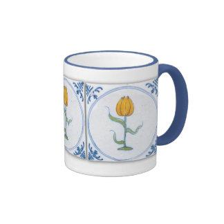 Tasse de café blanc bleue de tulipe d'art vintage