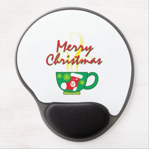 Tasse de café chaude avec des cartes de voeux de tapis de souris en gel