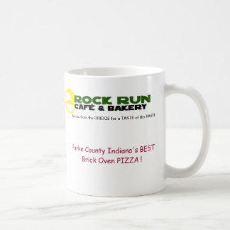 Tasse de café de course de roche et de café de bou