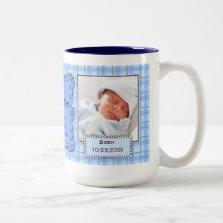 Tasse fière de photo de plaid de bleus layette du