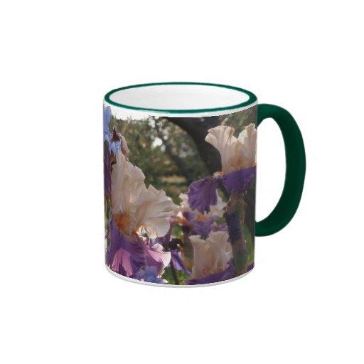 Tasse II de jardin d'iris