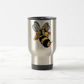 Tasse très fâchée de voyage d'abeille
