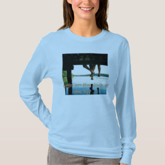 th_deck, Sittin on the dock of the bay ... T-Shirt