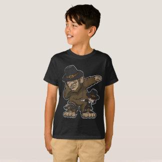 Thanksgiving Dabbing Bigfoot Pilgrim and Turkey T-Shirt