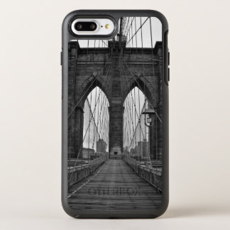 The Brooklyn Bridge in New York City OtterBox Symmetry iPhone 8 Plus/7 Plus Case