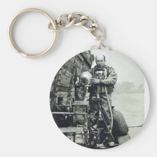 The Diver Basic Round Button Keychain
