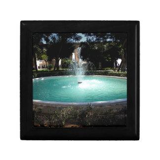 The fountain gift box