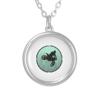 THE MOVEMENT OF SILVER PLATED NECKLACE