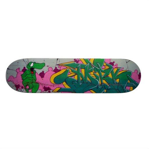 The nice crocodile - skate board