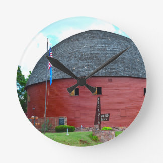 The Round Barn of Arcadia Round Clock