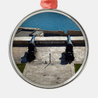 The saluting battery metal ornament