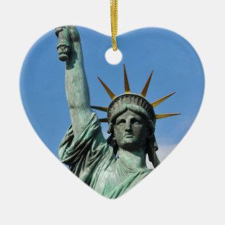 The statue of liberty ceramic heart ornament