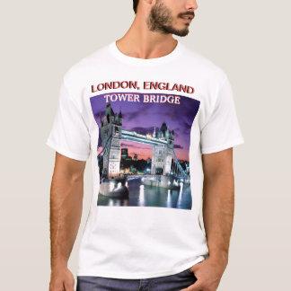 THE TOWER BRIDGE LONDON, ENGLAND BY MOJ GBADAMOSI T-Shirt