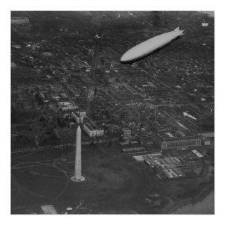 The US Airship 'USS Los Angeles' ZR3 flying over Poster
