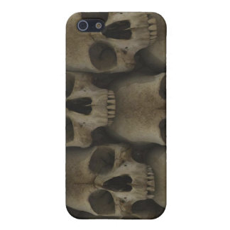 the wall of skulls iPhone 5 covers