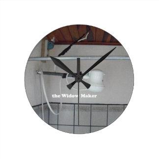 the widow maker round clock