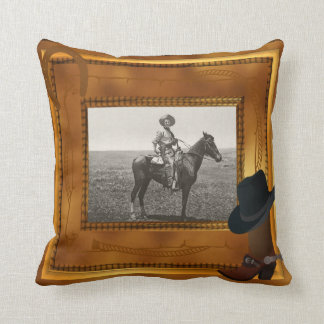 Thème occidental avec le modèle photo de botte et  coussin décoratif