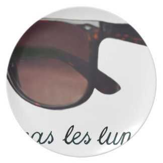 These are note sunglasses plate
