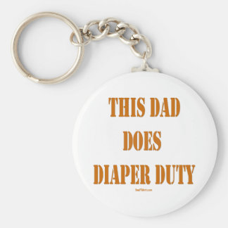 THIS DAD DOES DIAPER DUTY BASIC ROUND BUTTON KEYCHAIN