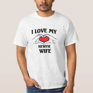 This man loves his newfie wife T-Shirt