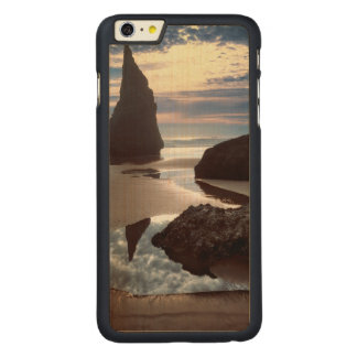Thorn-Shaped seastack | Face Rock Wayside, OR Carved Maple iPhone 6 Plus Case