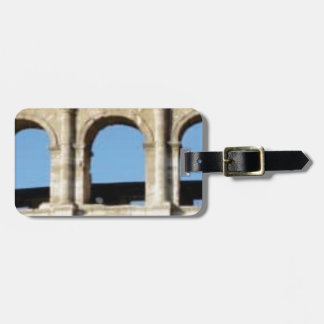 three arch wall luggage tag
