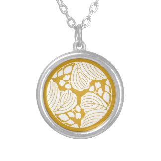 Three dividing 53 paulownias silver plated necklace