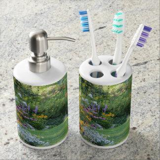 Three Gardens Meet toothbrush/dispens Bathroom Set