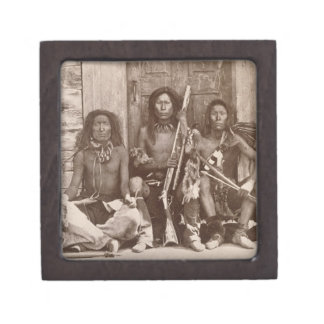 Three Indian Braves, photographed by the Royal Eng Premium Jewelry Box