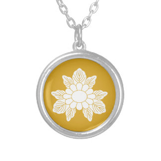 Three leaf asters silver plated necklace