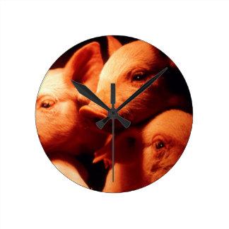 Three Little Pigs Round Clock