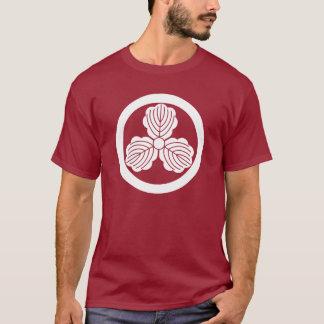 Three oak leaves(1) in circle T-Shirt