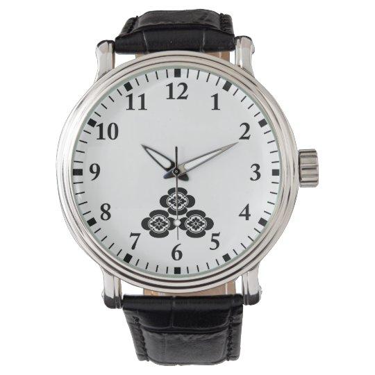 Three quantity Japanese quince Wrist Watch