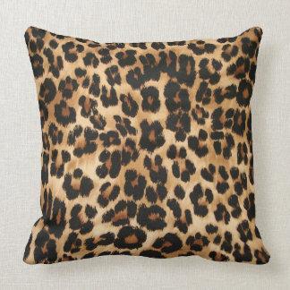 Throw Pillow Leopard