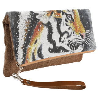 Tiger In The snow noir Clutch
