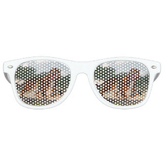 Tiger roaring - 3D render Retro Sunglasses