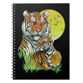 Tigre avec le carnet de CUB