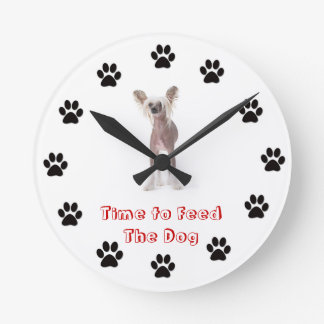 Time to feed the dog Chinese Crested Round Clock