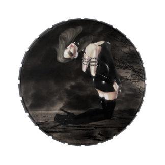 Tin Darkness Caramel Lady