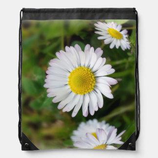 Tiny daisies drawstring bag
