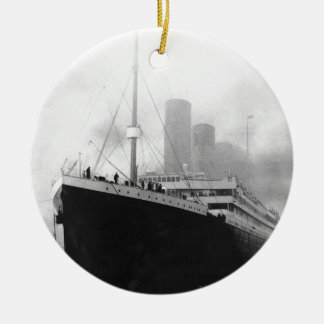 Titanic in dock in Southampton Round Ceramic Ornament